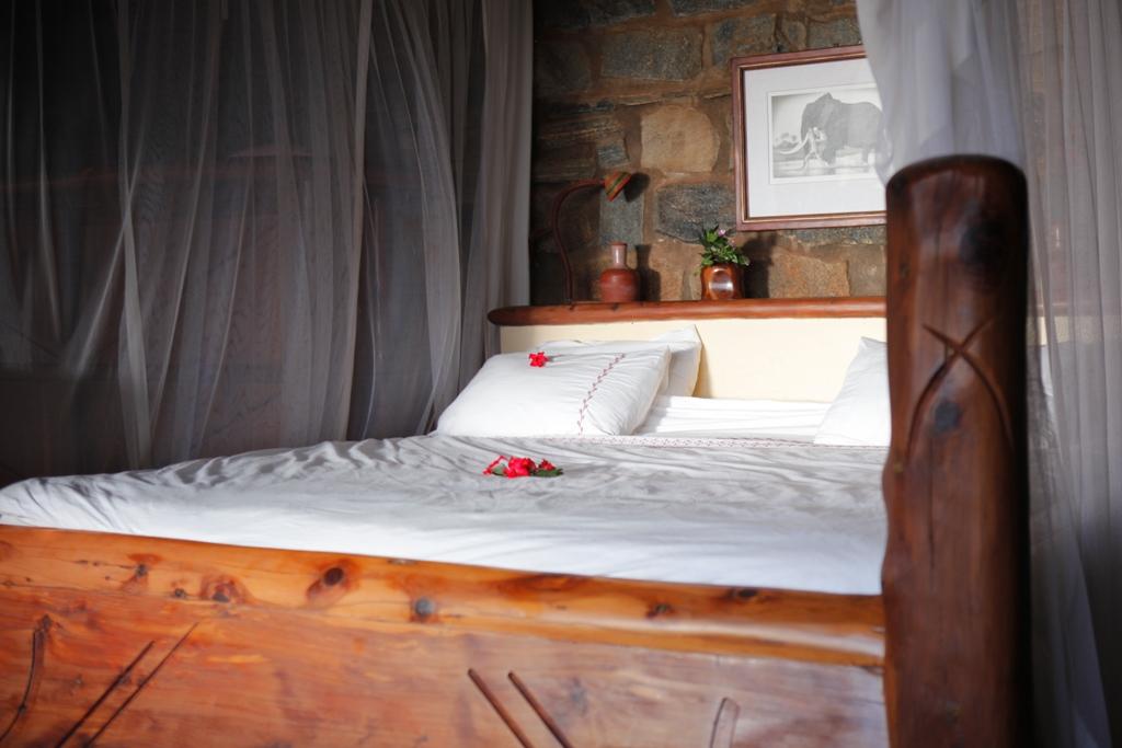 Desert Rose Kenya STONE HOUSE